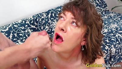 Older Babe Morgan Is an Experienced Slut Who Loves to Ride Stiff Dongs
