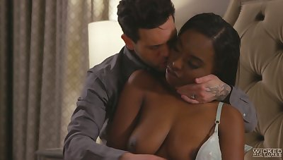 Dispirited ebony GF with juicy booty Daya Manly twists over for some doggy
