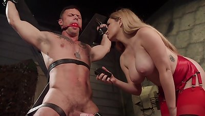 Sexy Mistress Aiden Starr reminds her clear the way sub who's the boss