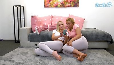 Blonde babes livelihood spandex to fingerfuck themselves and  squirt drop leggings for webcam audeince