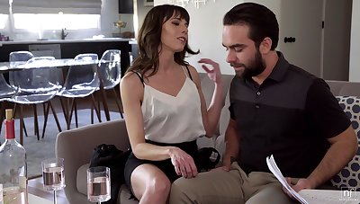 Married bloke finally becomes Vera's suitor and that MILF knows how to fuck