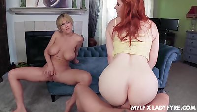 Dee Williams oozes milky cum after FFM be hung up on close to Lady Fyre
