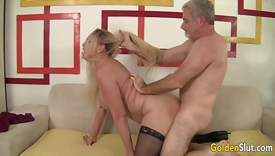 Mature comme �a women know their old pussies getting reamed at the end of one's tether hard dicks in many positions