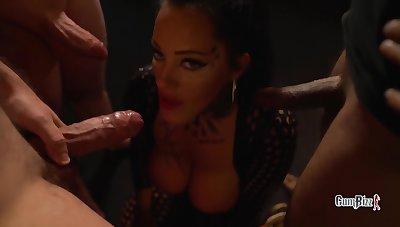 Ashley Cumstar in Dick Or Treat Toerist Milf Creampie Gangbang In Amsterdam Halloweeneres