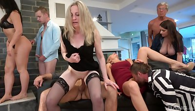 Amateur group carnal knowledge party with cock hungry models Renata May & Katsiaryna