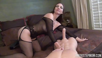 Naughty full-grown wife Mindi Mink spreads her legs to tease and gives a BJ