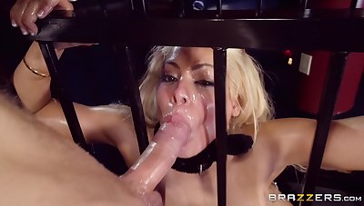 Dull-witted babe puts it in the ass during a submissive anal shag