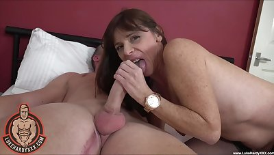 Freckled mature ecumenical plays with the big dick in morning webcam XXX