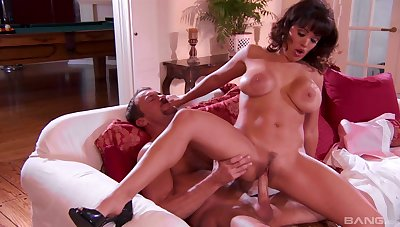 Romantic fucking relating to the evening with chap-fallen wife Sienna West