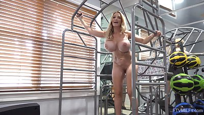 Well-endowed mature with fit forms added to great muscles, insane solo kickshaw porn