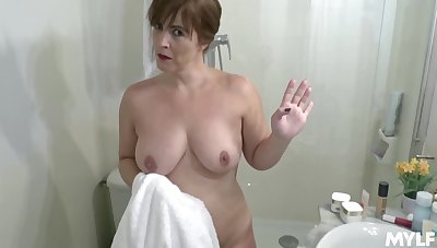Voluptuous stepmom with a succulent derriere gets fucked by her stepson