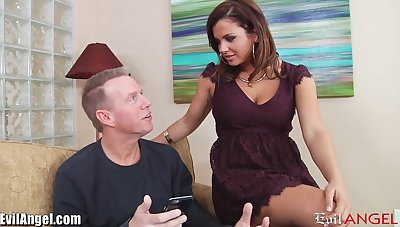 Young chick Keisha Grey has an stake with elder married beggar Mark Wood