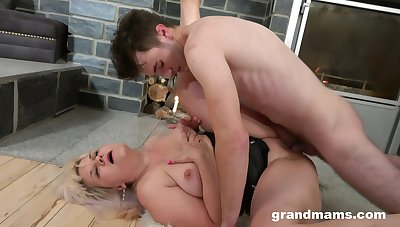 Harsh sexual treatment for the chubby mature leads her to crazy orgasms