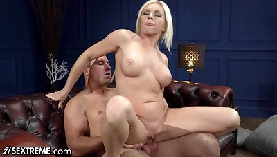 Advanced Sucking & Fucking Hot Mature Blonde - Big fake tits