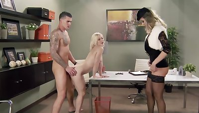 Raunchy kirmess Ash Hollywood gets fucked by a total hunk